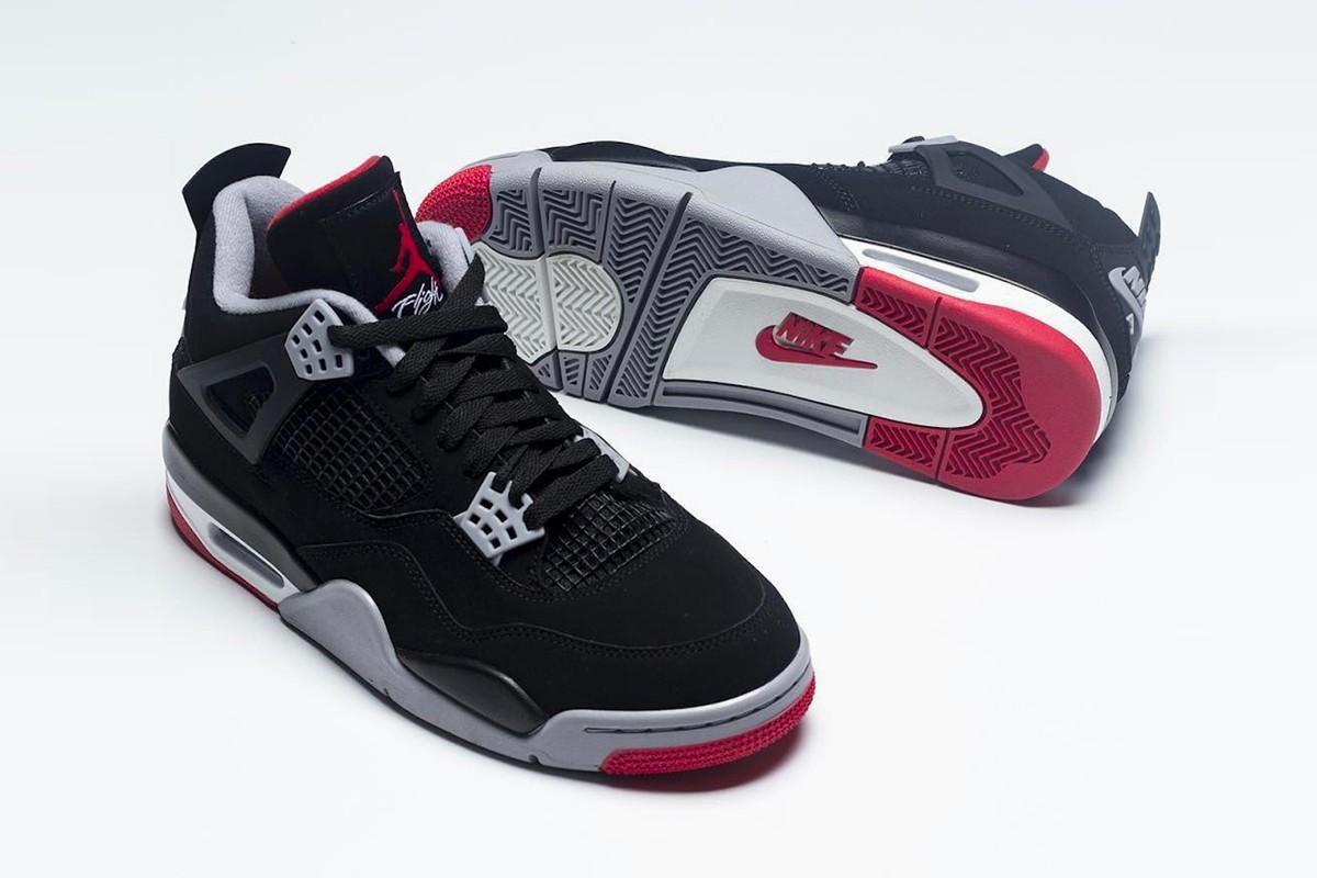 2019 Air Jordan Bred 4 First Look